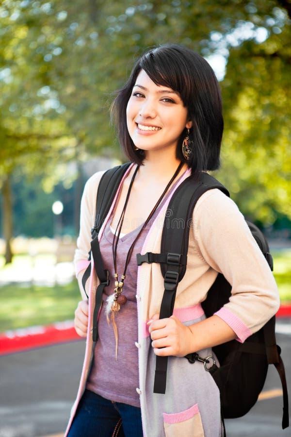 deltagare för blandad race för högskola arkivfoton