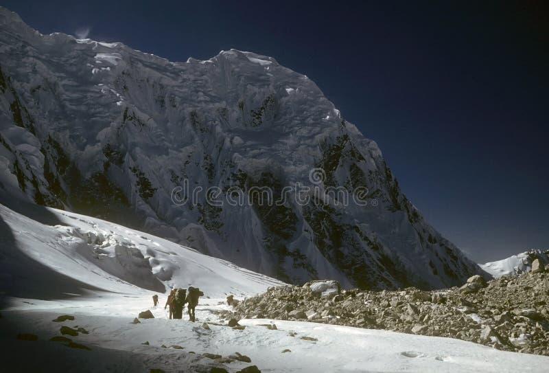 deltagare som 000 19 trekking arkivfoton