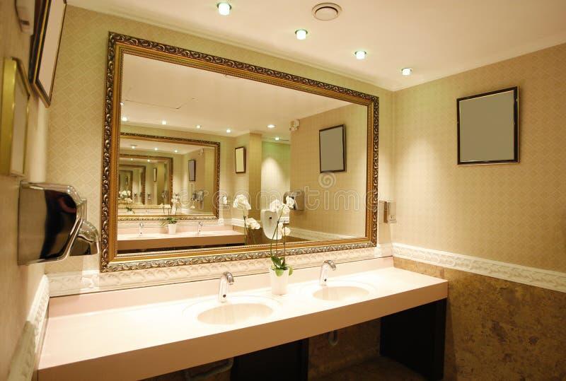 Deluxe bathroom royalty free stock photos