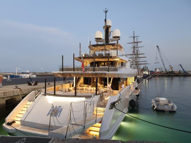 Deluxe Port Tenerife lizenzfreies stockbild