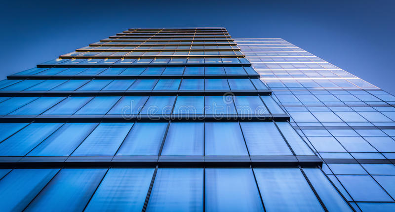 dem WSFS-Bankgebäude in im Stadtzentrum gelegenem Wilmington oben betrachten, Del lizenzfreie stockfotos