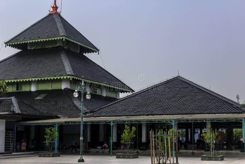 Demak grote moskee, Indonesië stock foto