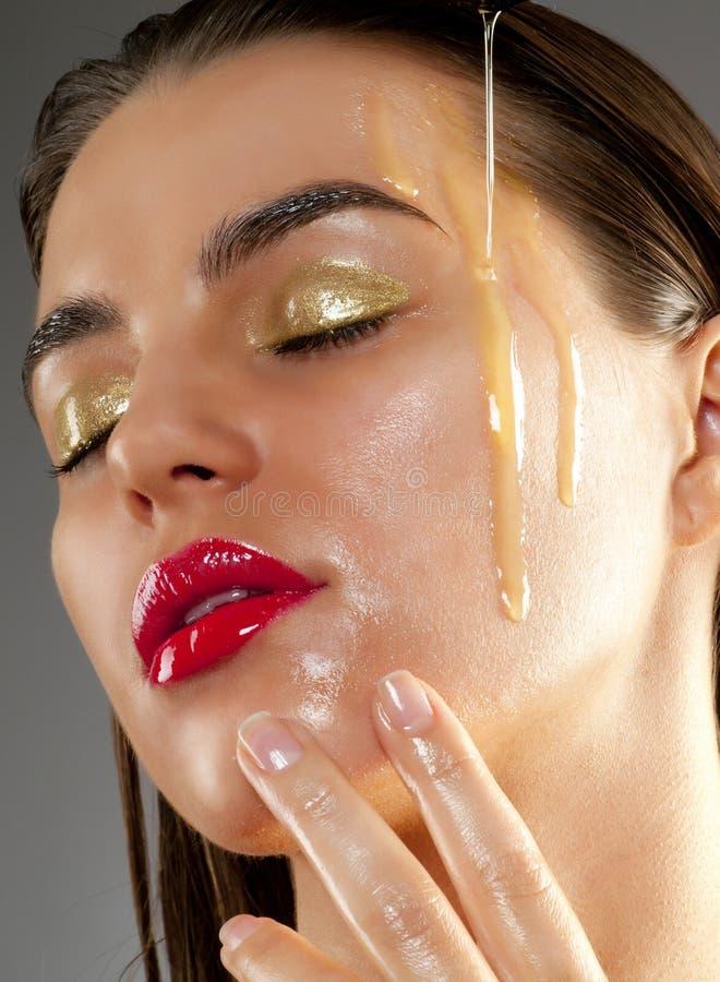 Demande de règlement de beauté avec l'huile d'olive images libres de droits