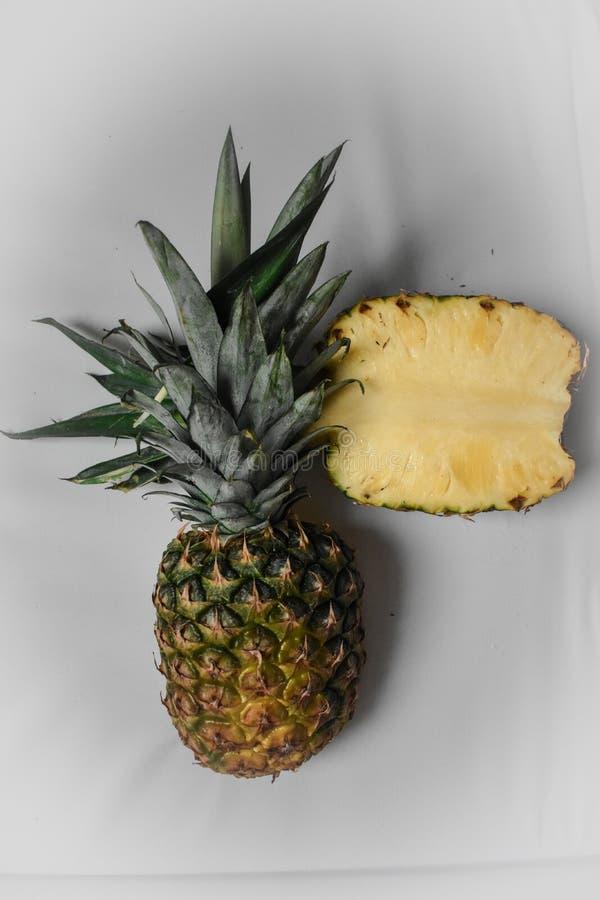 Demi ananas de partie photos stock