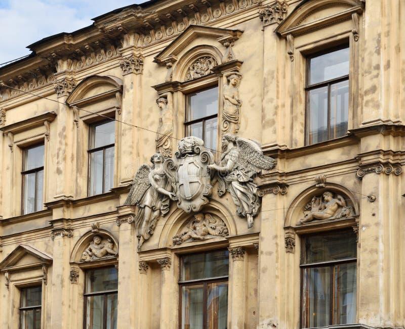 Demidov żakiet ręki na fasadzie Demidov dwór 1835-1840 saint petersburg zdjęcie stock