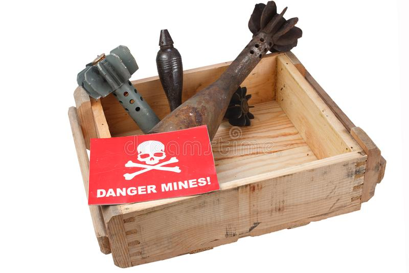Demining (Bombowy usuwanie) moździerz bomby obrazy royalty free