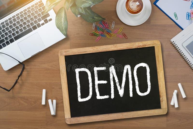 DEMO Demo Preview Ideal royaltyfri foto