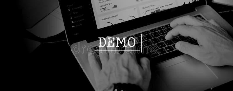 Demo Test Ideas Trailer Trial begrepp arkivbild