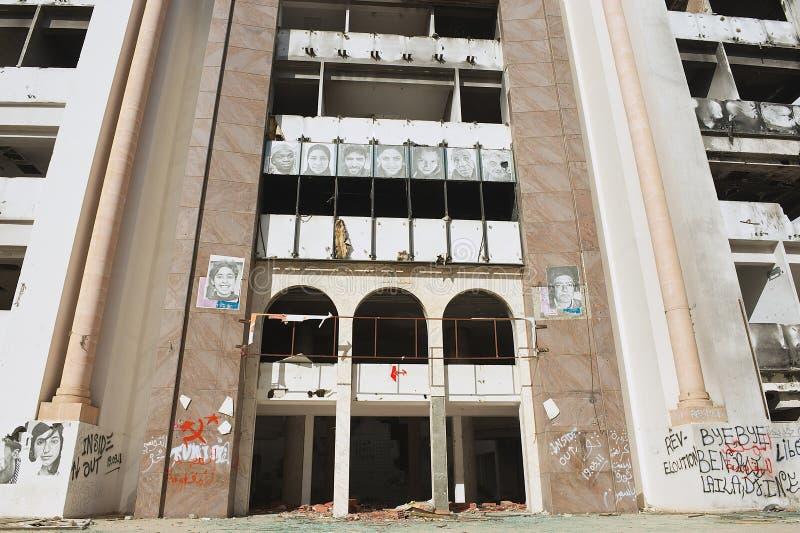 Demokratiskt konstitutionellt samlar partibyggnad som fördärvas under den arabiska våren i Sfax, Tunisien arkivfoto