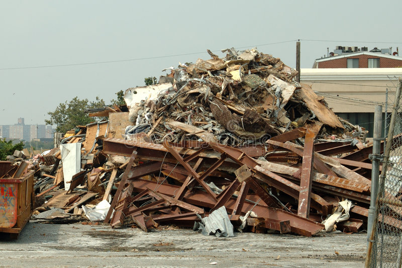 Download Demolição imagem de stock. Imagem de mess, oxidação, despejar - 69323