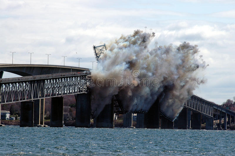Demolição da ponte de Jamestown imagens de stock