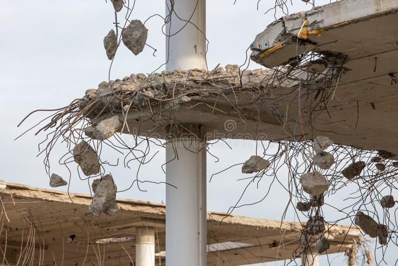 Demolição de um edifício concreto fotos de stock