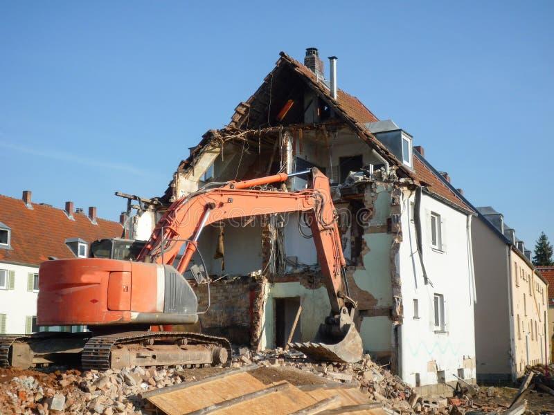 Demolição de um edifício velho imagem de stock royalty free
