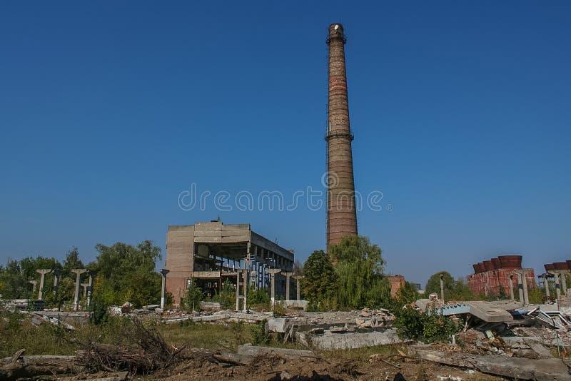 Demolição do central química velho imagens de stock