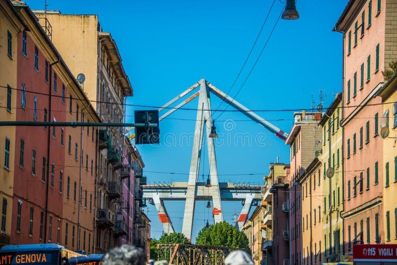 28 06 Demolición 2019 de Ponte Morandi en Génova fotografía de archivo