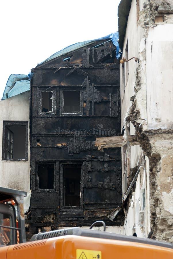 Demolición de una ruina quemada en Constance #1 foto de archivo