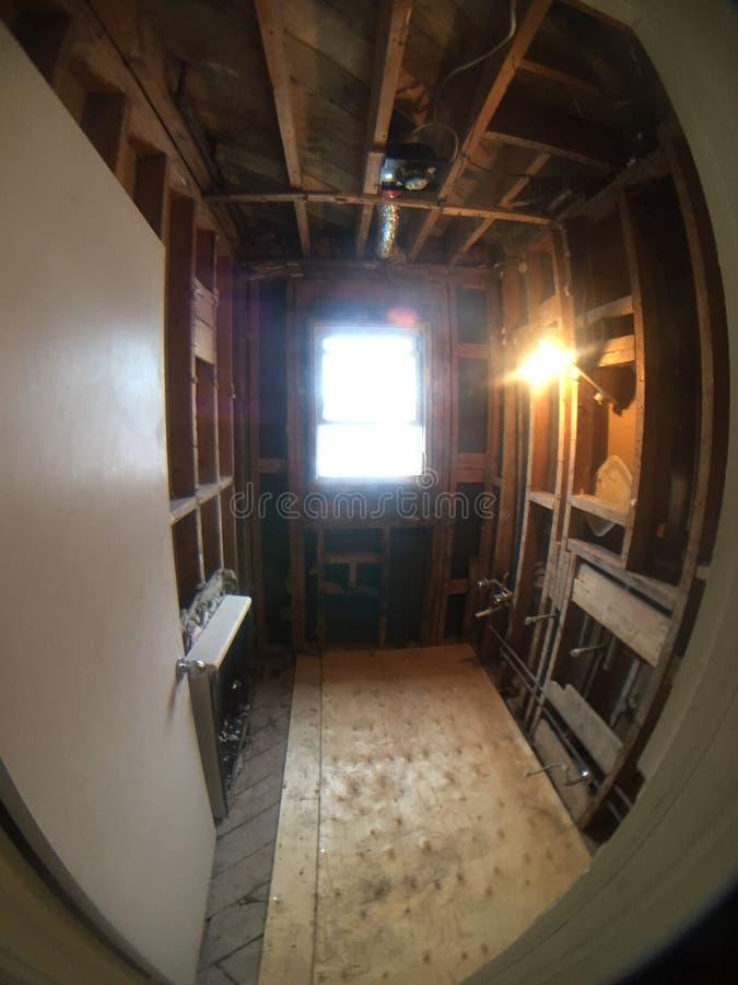 Demolición Y Renovación Del Cuarto De Baño Foto de archivo ...