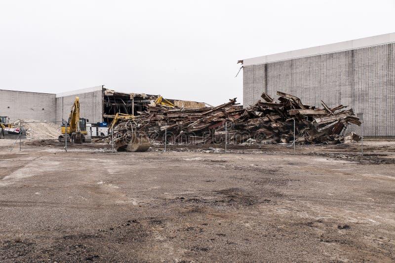 Demolierung - verlassener Randall Park Mall - Cleveland, Ohio stockbilder