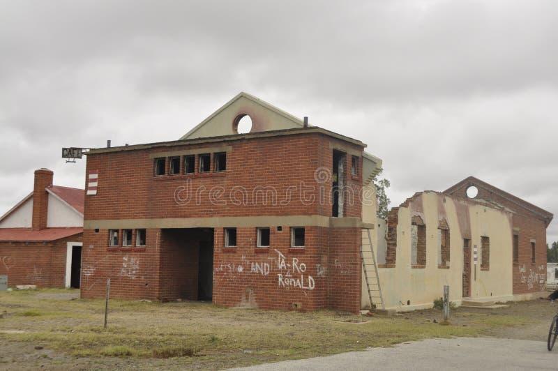 Demolisca il municipio a Klipplaat nella provincia del Capo Orientale La Sudafrica fotografia stock libera da diritti