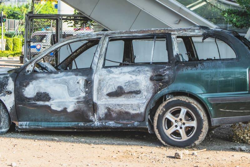 Demolisca l'automobile dopo il fuoco fotografia stock