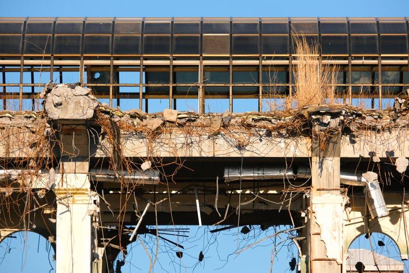 Demolished destructed ruínas da construção imagem de stock royalty free
