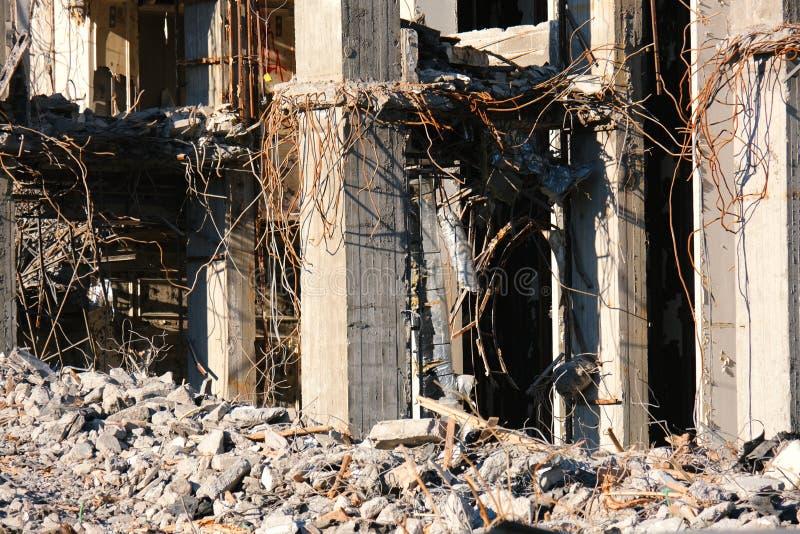 Demolished destructed ruínas da construção imagens de stock