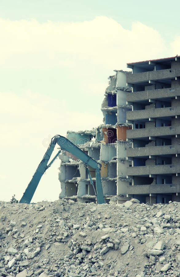 Free Demolition Of A Building 2 Royalty Free Stock Images - 10386049