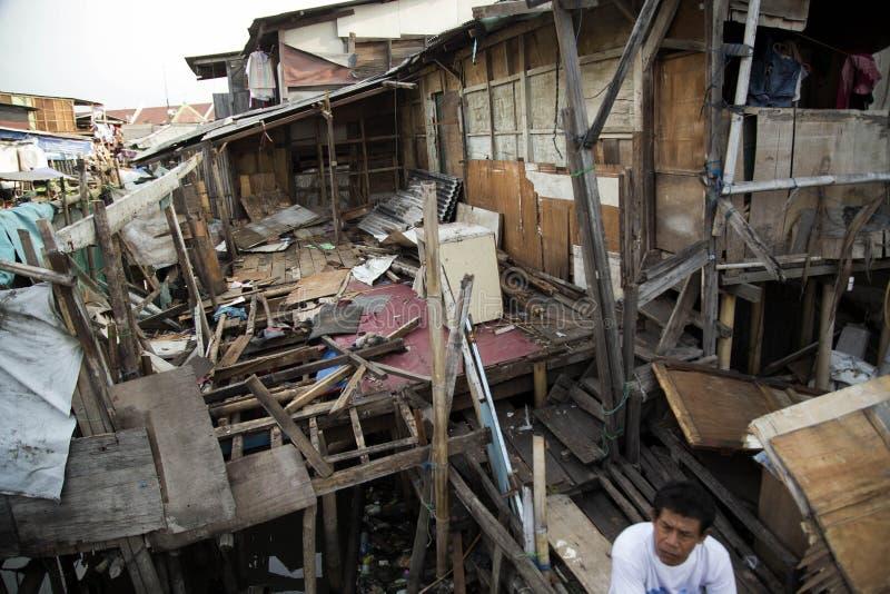 Demolizione del villaggio delle industrie della pesca a Jakarta fotografia stock