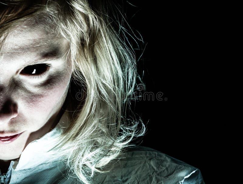 Demon-som kvinna med blåtiran royaltyfri foto
