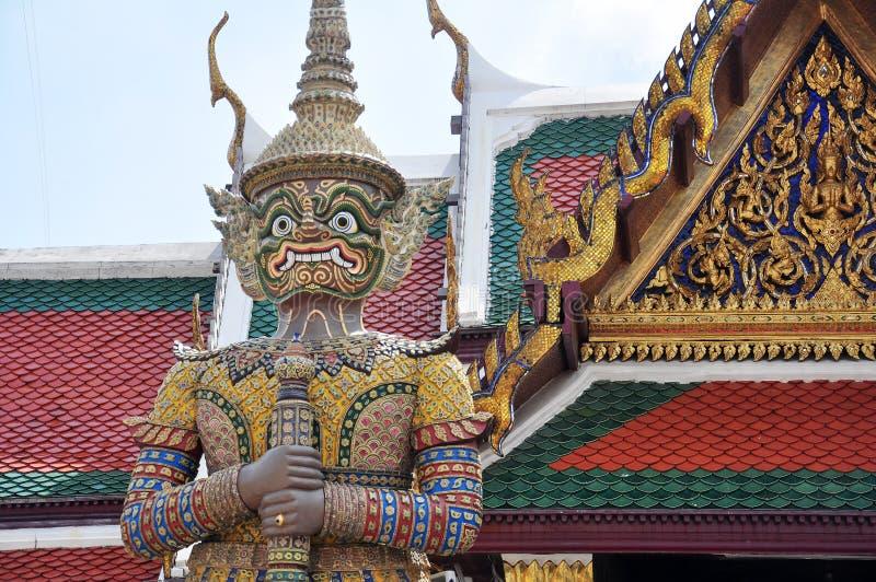Demonbeschermer in Wat Phra Kaew Grand Palace, Bangkok royalty-vrije stock fotografie