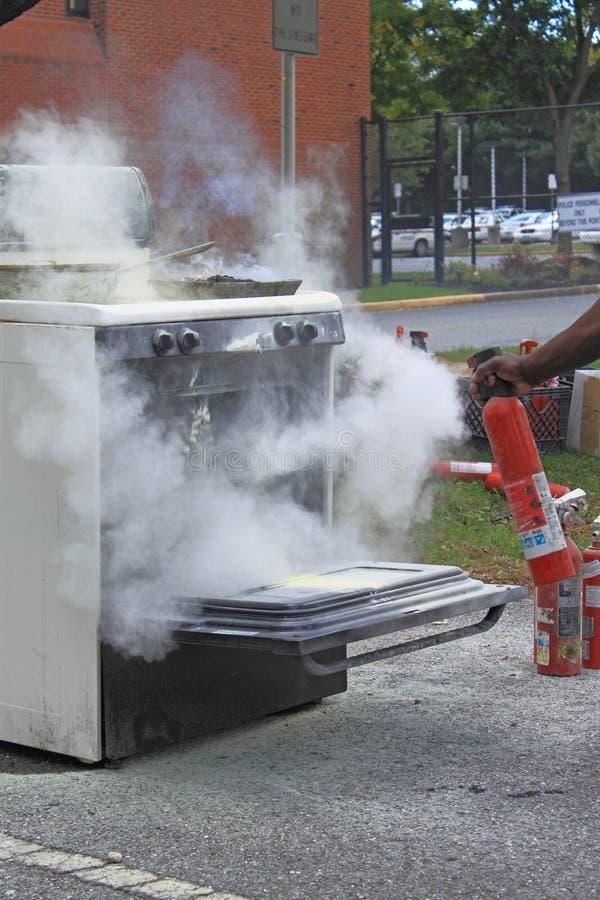 Demonstração do extintor de incêndio foto de stock royalty free