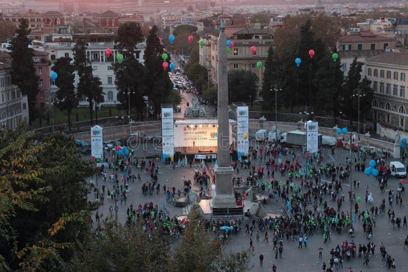 Demonstração em Praça del Popolo, Roma fotografia de stock royalty free