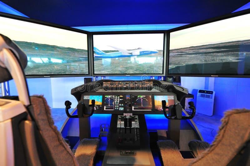 Demonstrador da cabina do piloto de Boeing 787 Dreamliner em Singapura Airshow fotografia de stock royalty free