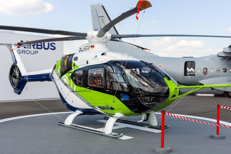 Demonstrador de Bluecopter do helicóptero por Airbus ( prototype) fotos de stock royalty free