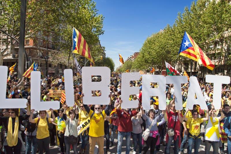 Demonstranci Tworzy słowo wolność obrazy royalty free