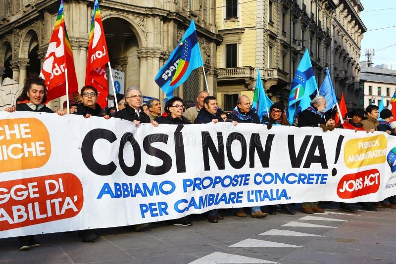 Demonstratie in Milaan tegen Renzi-het beleid van de overheid royalty-vrije stock fotografie