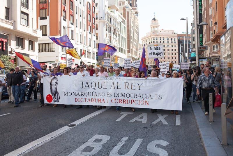 Demonstratie tegen Spaanse Monarchie in Madrid, Spanje stock afbeeldingen