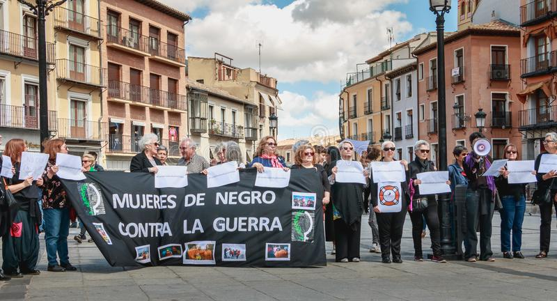 Demonstratie van activisten Mujeres DE Negro - vrouwen in zwarte - a stock foto's