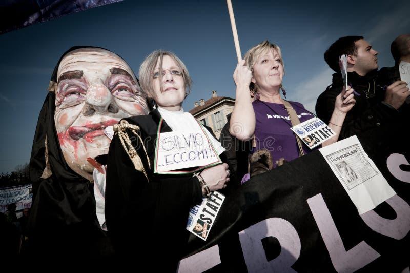 Demonstration angehalten in Arcore 6. Februar 2011 lizenzfreie stockfotos