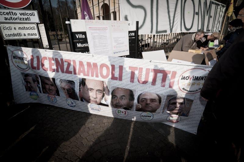 Demonstration angehalten in Arcore 6. Februar 2011 stockfotos