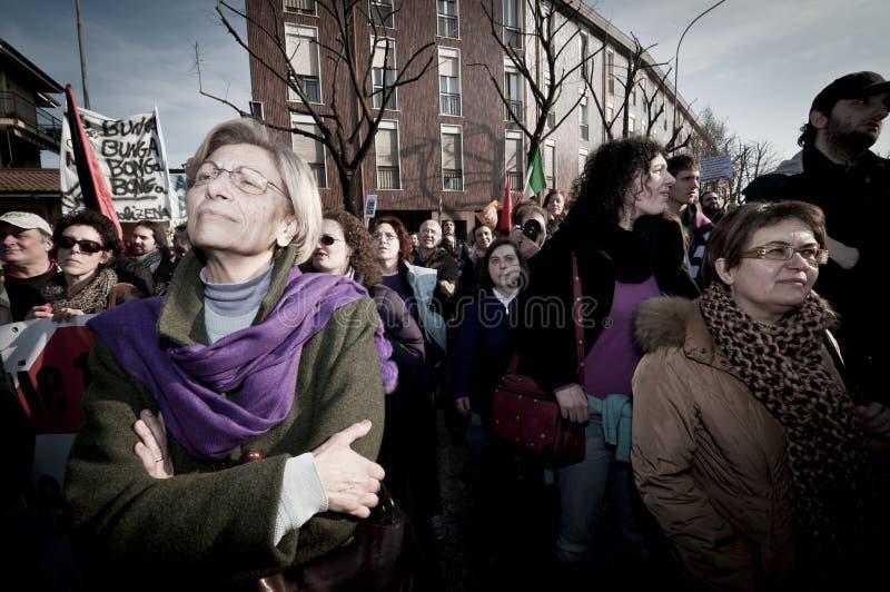 Demonstration angehalten in Arcore 6. Februar 2011 stockbild