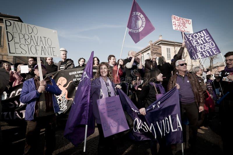 Demonstration angehalten in Arcore 6. Februar 2011 lizenzfreie stockbilder