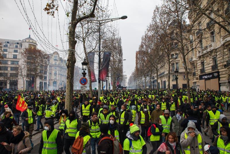 Demonstration av 'Gilets Jaunes i Paris, Frankrike arkivbilder