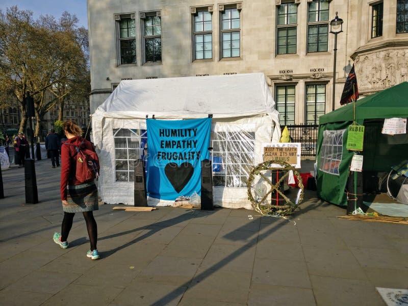 Demonstrationer London UK för utplåningrevoltprotest arkivbilder