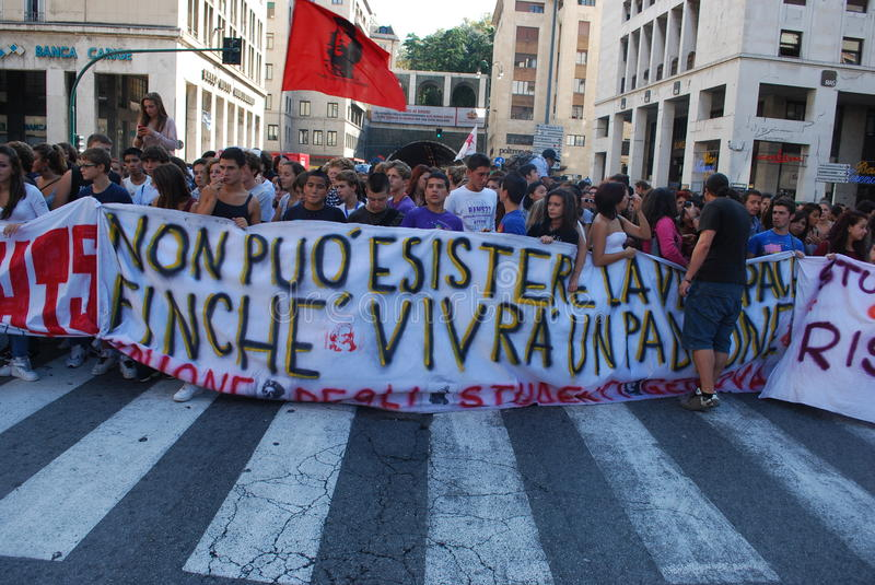 Download Demonstrations In Genoa, Italy Against The Governm Editorial Stock Photo - Image: 21480173