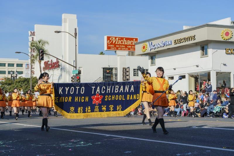 Demostración de la banda escolar de Kyoto Tachiba del japonés en Rose Parade famosa fotos de archivo libres de regalías