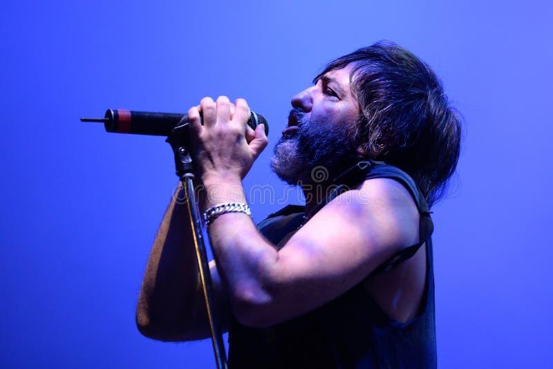 Demostración de la música en directo de Babasonicos (banda) en el festival de Bime imágenes de archivo libres de regalías