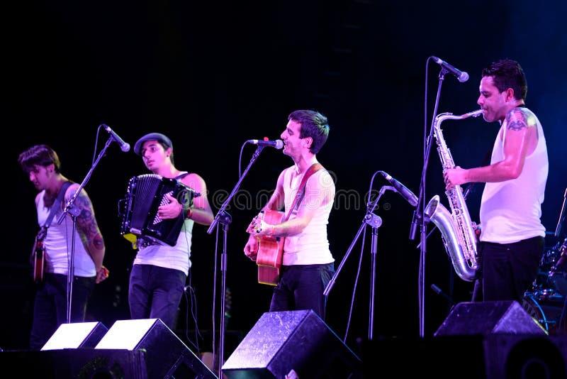 Demostración de la música en directo de Moda del La (banda) en el festival de Bime fotografía de archivo