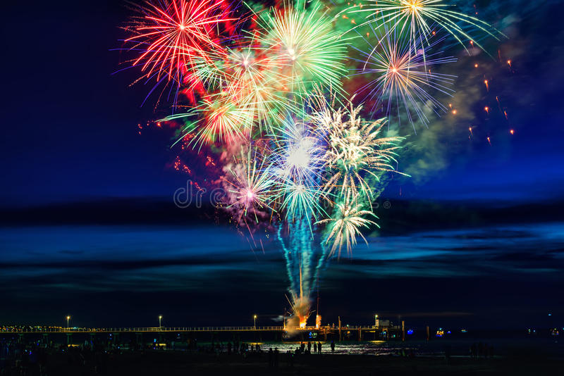 Demostración de los fuegos artificiales del Año Nuevo fotos de archivo libres de regalías