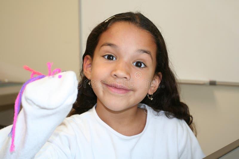 Demostración de marioneta de la chica joven imágenes de archivo libres de regalías